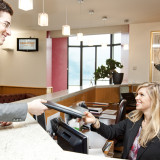 Tips-on-Customer-Service-of-Hotel-Front-Desk