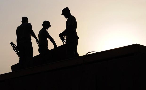 pracownicy-budowlani