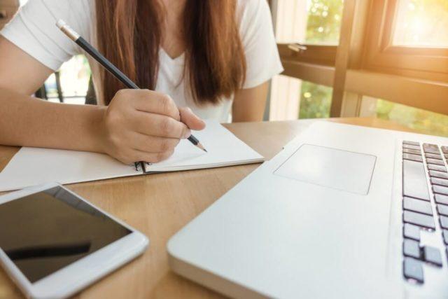 How-to-write-a-graduate-CV-640x427