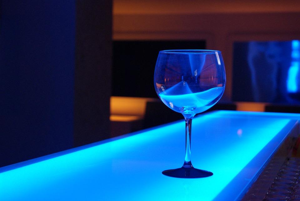 glass-545583_960_720